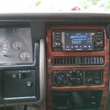 jeep grand cherokee sound system